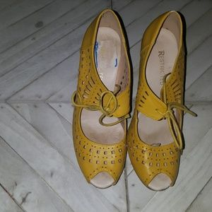 Restricted Size 9 Yellow Wedges